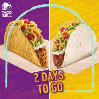 Hard shell or soft shell - which one are you excited to try? Comment with ❤️ for hard shell and 👍🏻 for soft shell!  And don't worry, you won't have to wait for long...only 2️⃣ days to go!  #LiveKawKaw #LiveMas